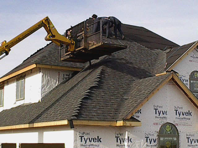 Roofing crew we provide a emergency services crew roof for New home building contract